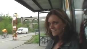Sexy pretty amateur sweetheart sucks off massive lengthy shlong